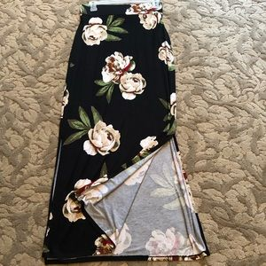 Maxi skirt/can also be worn as a strapless dress.